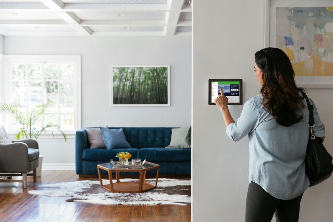 smart-home-security-wall-panel-gokonnect