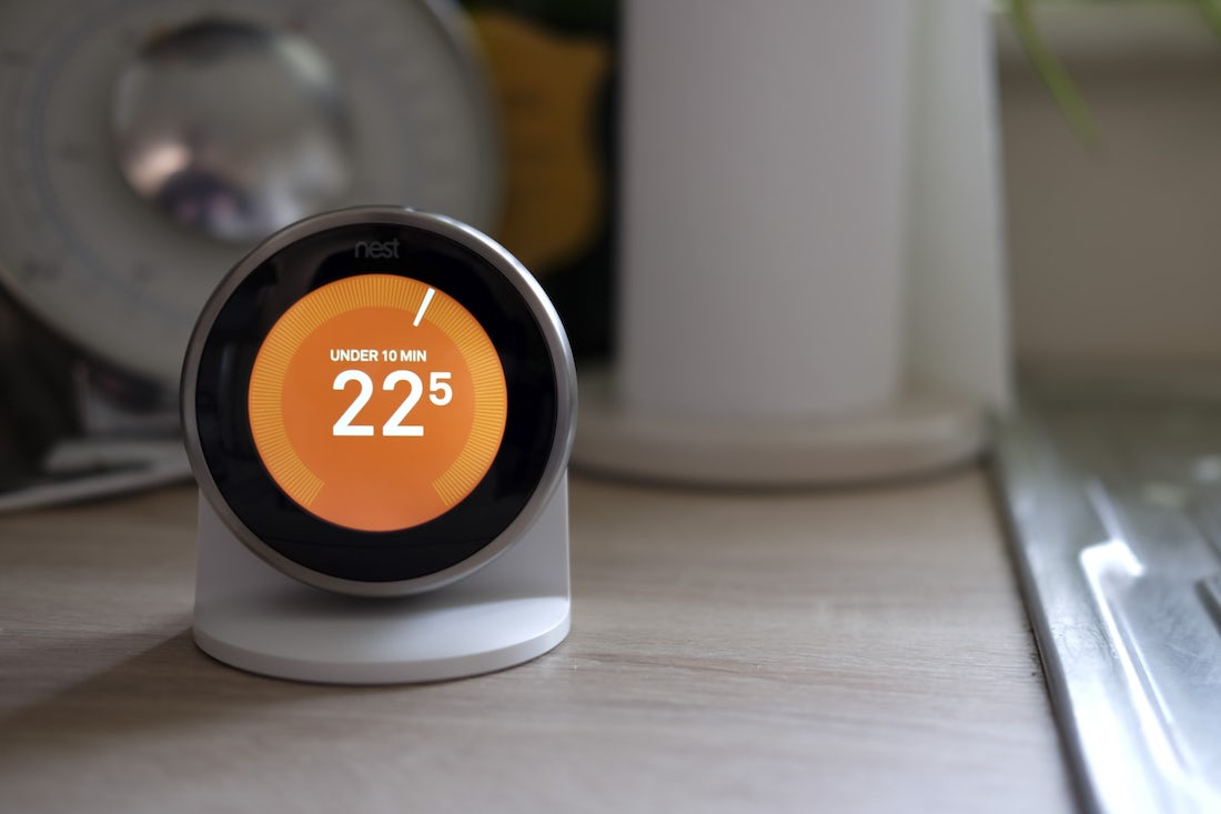 thermostat-on-kitchen-counter