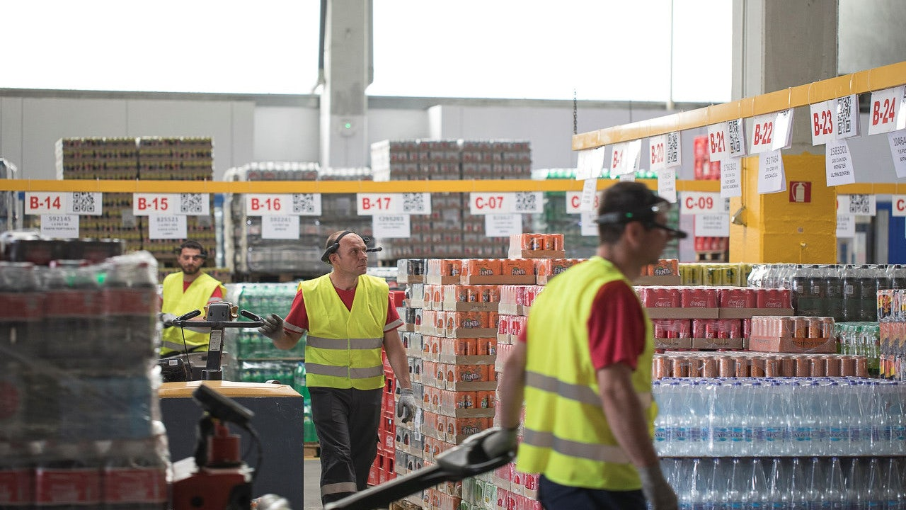 Coca-Cola Hellenic Bottling Company Productively Implements Ubimax Vision Picking with Smart Glasses